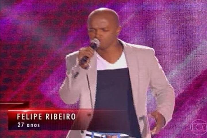 """Felipe Ribeiro canta """"I Love You Baby"""" do Oba Oba Samba Clube, mas não é escolhido"""