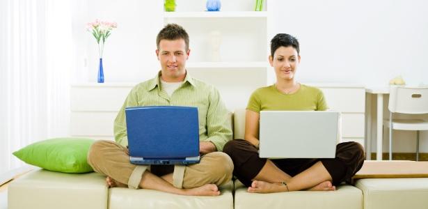 Estudo americano revela que sexo, idade e personalidade têm forte influência na comunicação no Facebook - StockLite/Shutterstock