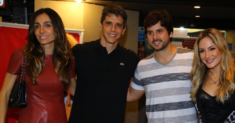 4.out.2013 - Márcio Garcia e a mulher com Claudia Leitte e o marido