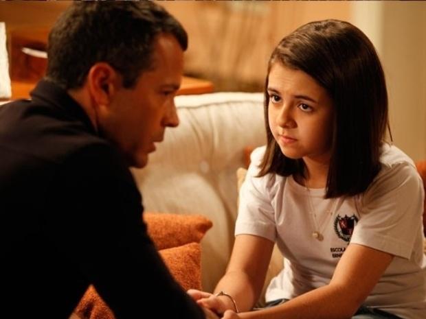 """Em """"Amor à Vida"""", Paulinha se recusa a revelar encontros com Ninho"""