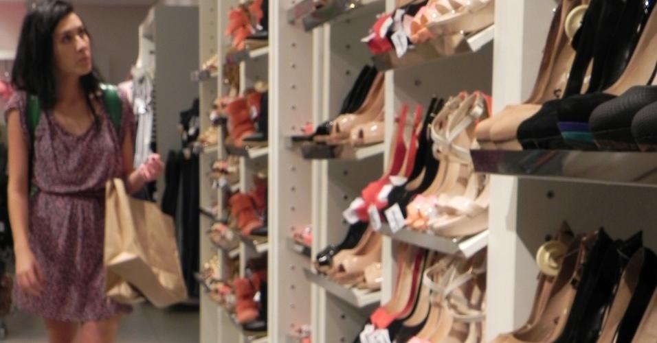 """7.out.2013 - Cena dos bastidores de """"A Verdade de Cada Um"""", série produzida pela O2 e atualmente em exibição no NatGeo"""