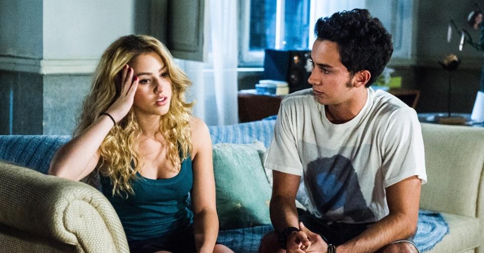 """Em """"Malhação"""", Gravidez de Meg põe em risco namoro de Ben e Anita"""