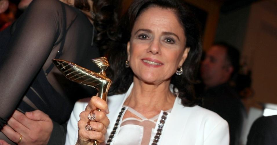 7.out.2013 - A atriz Marieta Severo é homenageada na festa da 18ª edição do Prêmio Claudia, em São Paulo. A premiação destaca mulheres que são exemplos de talento, inovação e competência