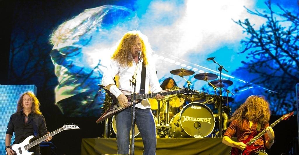 4.out.2013 - Megadeth tocou antes do Black Sabbath em Santiago, no Chile. As bandas estão em turnê pela América Latina