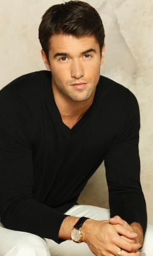 """Daniel Grayson (Josh Bowman) retorna à terceira temporada de """"Revenge"""""""
