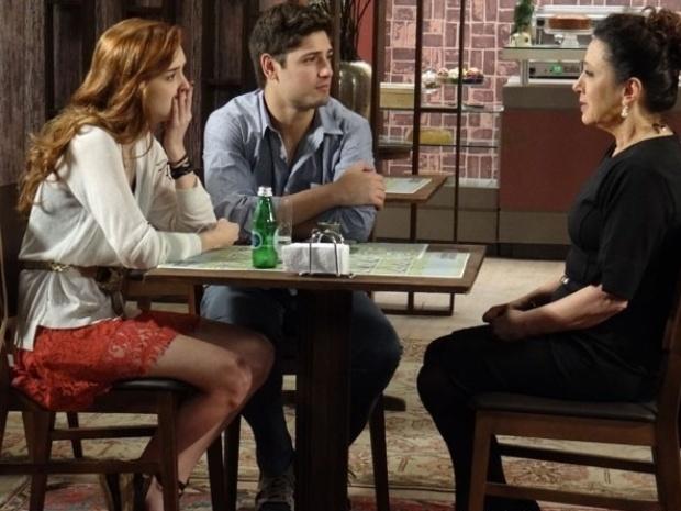"""Em """"Amor à Vida"""", Lídia revela que é mãe de Natasha"""