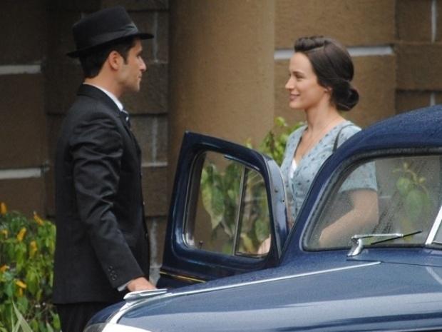 """Em """"Joia Rara"""", Franz decide entregar guarda de Pérola a Amélia"""