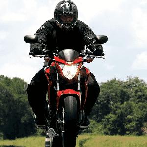 Honda CB 500F - Caio Mattos/Divulgação