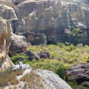 O Parque Nacional Serra da Capivara abriga 1.334 sítios arqueológicos com pinturas com 30.000 anos de história