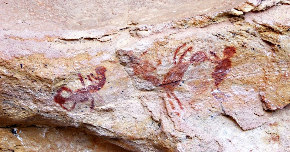 Pinturas rupestres no boqueirão da Pedra Furada mostra duas pessoas em posição sexual. Local é um dos principais sítios arqueológicos do Parque Nacional Serra da Capivara, no Piauí
