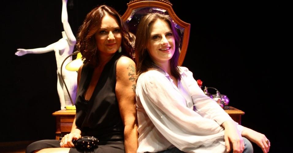 """8.out.2013 - Luiza Brunet e Alessandra Maestrini posam juntas na coletiva da série """"Correio Feminino"""""""