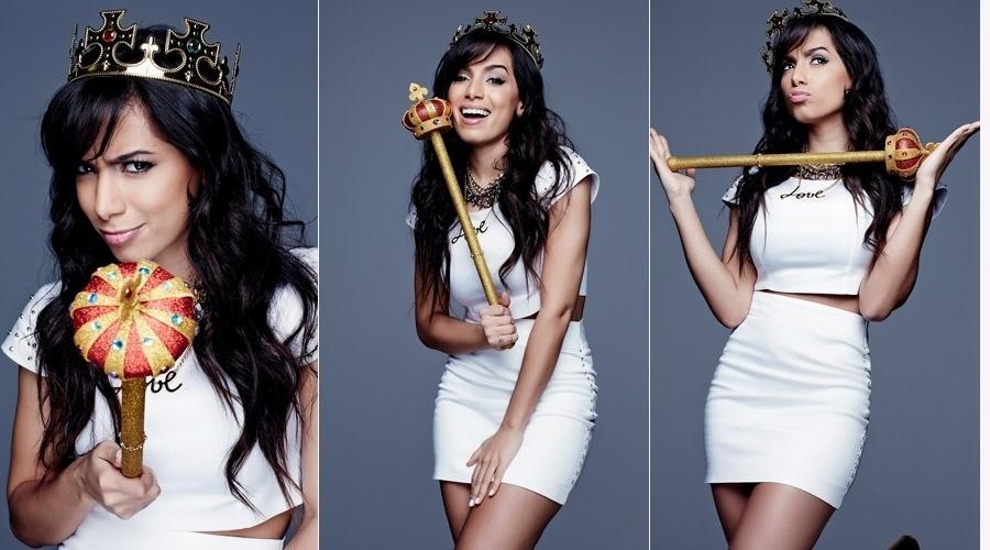 """9.ouut.2013 - Anitta é a estrela da edição de outubro da revista """"Glamor"""""""