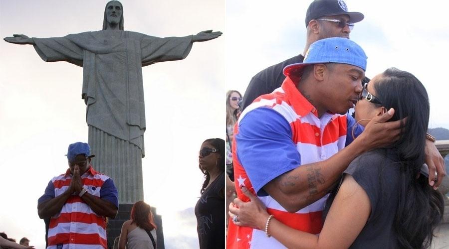 10.out.2013 - O rapper Ja Rule vai com a esposa e amigos ao Cristo Redentor