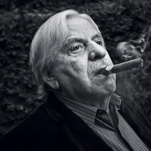 O ator Hugo Carvana