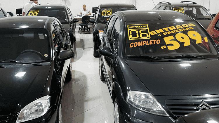 Loja de carros usados - Mateus Bruxel/Folhapress - Mateus Bruxel/Folhapress