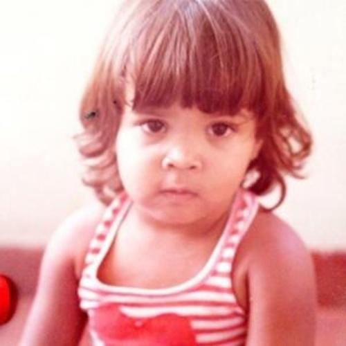 """10.out.2013 - A cantora Preta Gil exibe retrato de quando era criança. """"Começando o momento dia das crianças !! #jambo #fofinha"""", disse ao postar a imagem"""