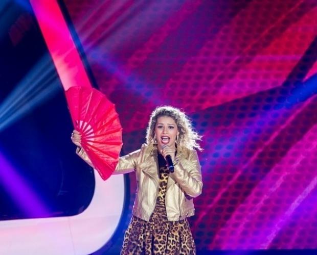 "10.out.2013 - Aila Menezes cantou ""A Loba"", de Alcione"