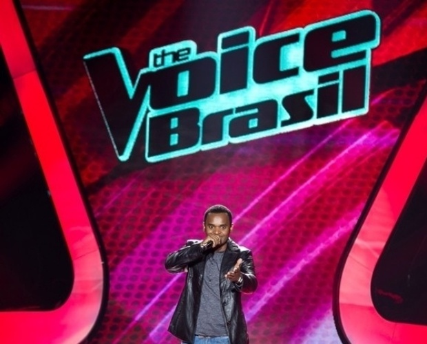 """10.out.2013 - Heril Dias cantou """"Essa Tal Liberdade"""", do Só Pra Contrariar"""