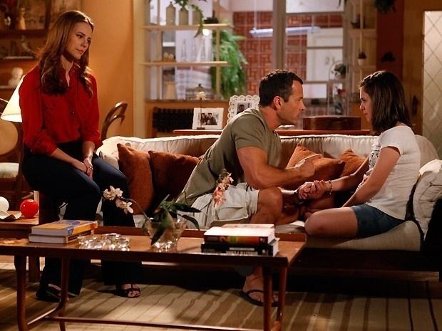 """Em """"Amor à Vida"""", Bruno cai no choro ao ouvir que Paulinha gosta de Ninho"""