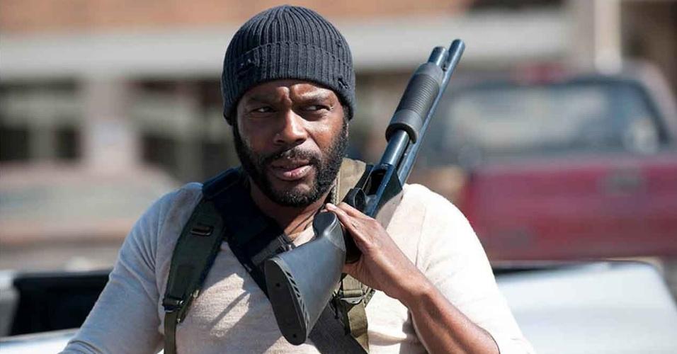 """Tyreese (Chad L. Coleman) em cena do primeiro episódio da quarta temporada de """"The Walking Dead"""""""