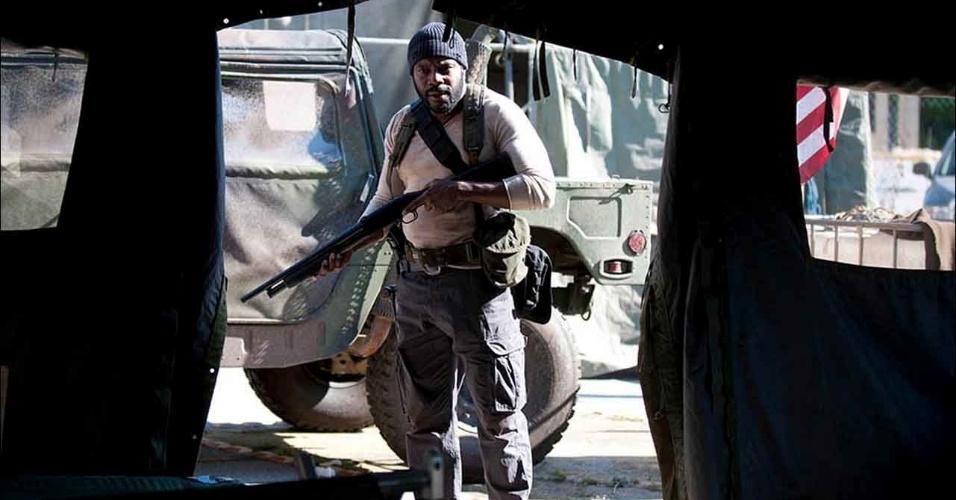 "Tyreese (Chad L. Coleman) no primeiro episódio da quarta temporada de ""The Walking Dead"""