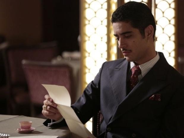 """Em """"Joia Rara"""", Décio recebe carta ameaçadora de Aurora"""