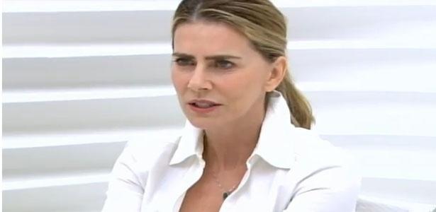 """14.out.2013 - Maitê Proença é entrevistada no programa """"Roda Vida"""""""