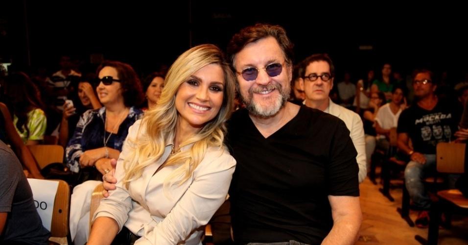 """15.out.2013 - Flávia Alessandra e Antonio Calloni posam juntos durante o lançamento de """"Além do Horizonte"""", próxima novela das sete, no Rio Janeiro"""