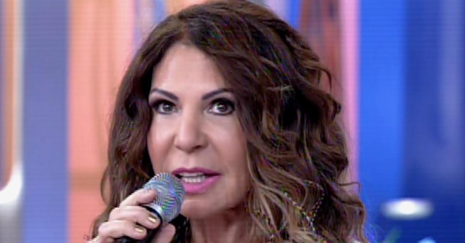 """Elba Ramalho aparece com o rosto diferente no """"Encontro"""""""