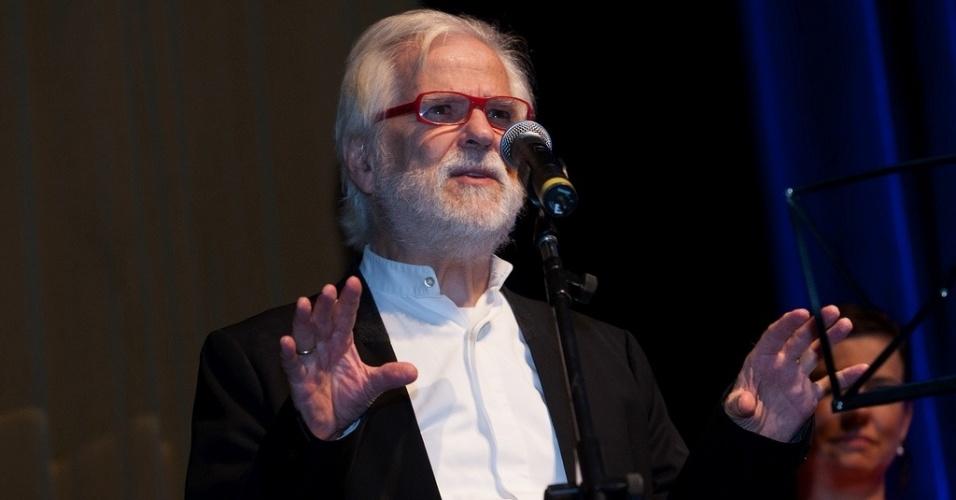 17.out.2013 - Jan Harlan, produtor e cunhado de Stanley Kubrick, fala durante a abertura da Mostra de São Paulo, no Auditório Ibirapuera