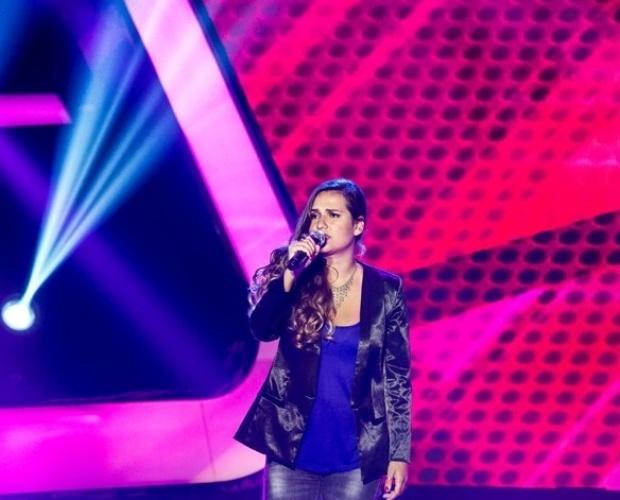 """17.out.2013 - Raíza Rae cantou """"Tão Seu"""", do Skank e foi para o time de Carlinhos Brown"""