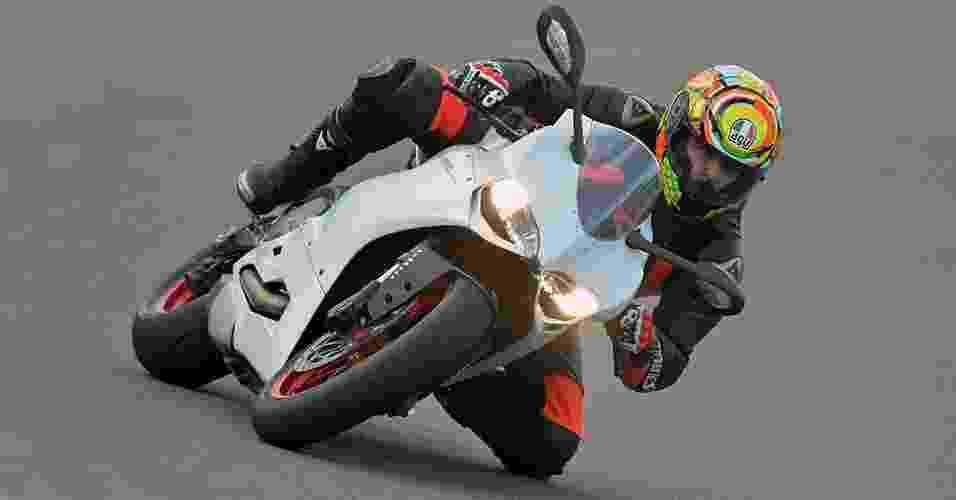 Ducati 899 Panigale - Divulgação