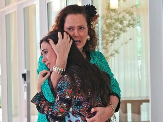 """Em """"Amor à Vida"""", Márcia desiste da vida de milionária e sai da casa de Ignácio"""