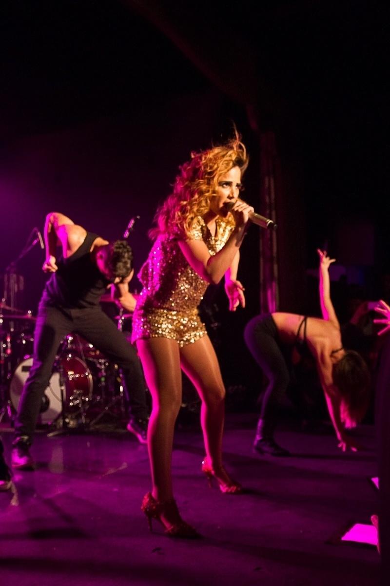 """18.out.2013 - A cantora Wanessa se apresenta em São Paulo para divulgar seu CD e DVD """"DNA Ao Vivo"""""""
