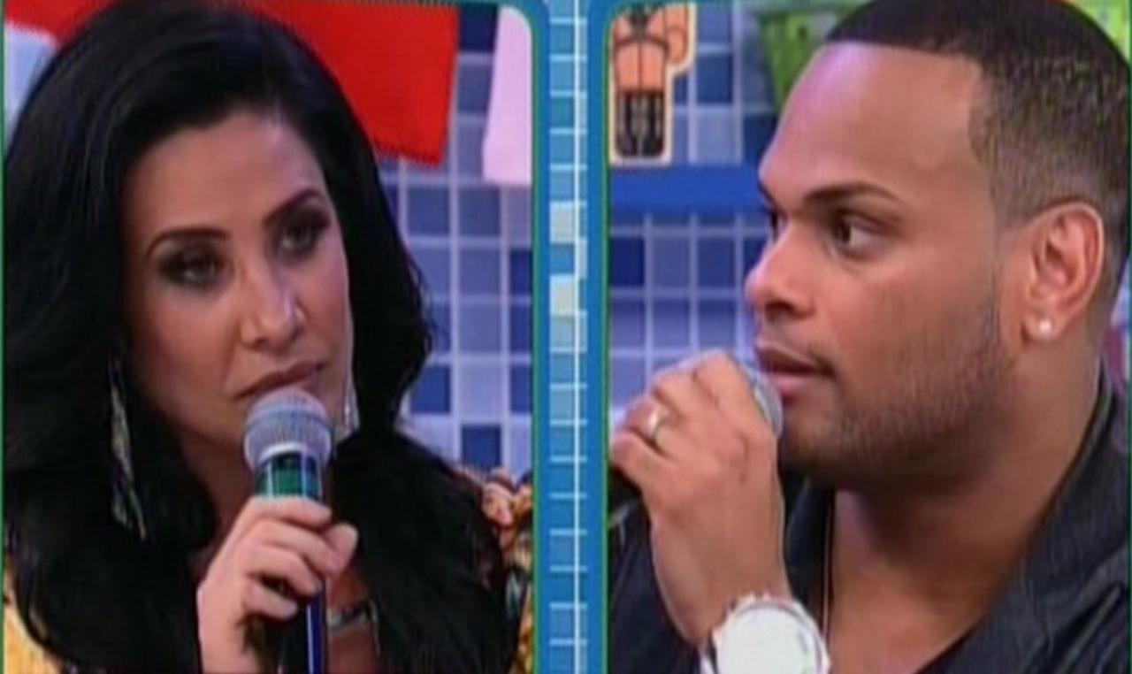 20.out.2013 - Scheila Carvalho e Tony Salles participando do programa
