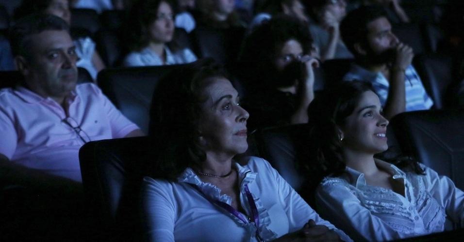 """20.out.2013 - A atriz Betty Faria assiste ao filme """"Avanti Popolo"""" no Cinesesc, na Mostra de São Paulo"""