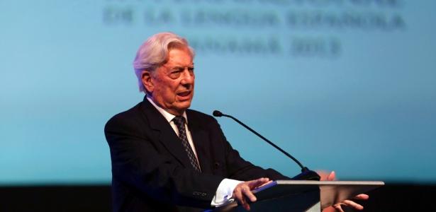 O escritor peruano Mario Vargas Llosa celebra 80 anos de vida - Carlos Jasso/Reuters