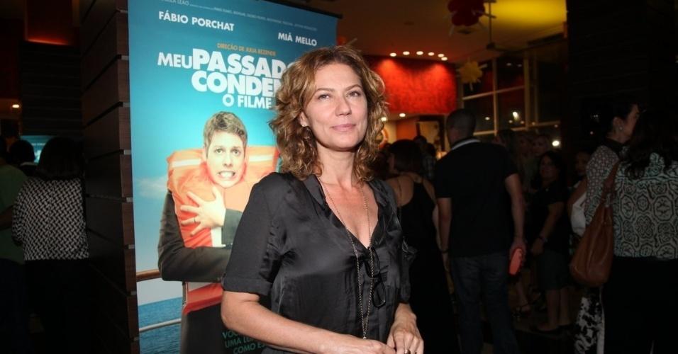 """21.out.2013 - Patrícia Pillar marca presença na pré-estreia do filme """"Meu Passado Me Condena"""""""