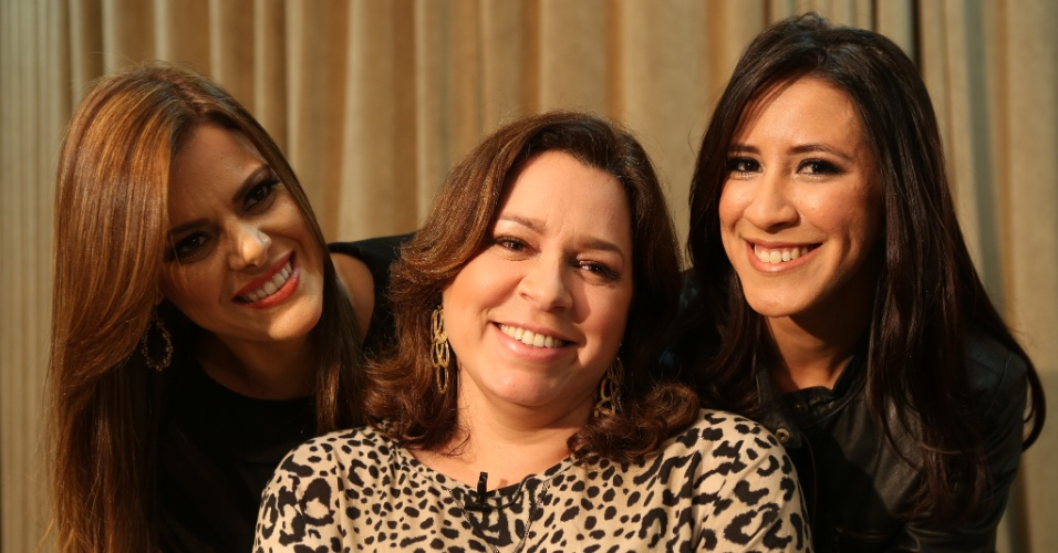 Ana Paula Valadão está à frente do Diante do Trono desde 1998 e já teve ao seu lado cantoras como Helena Tannure (centro) e Ana Nóbrega (dir.)