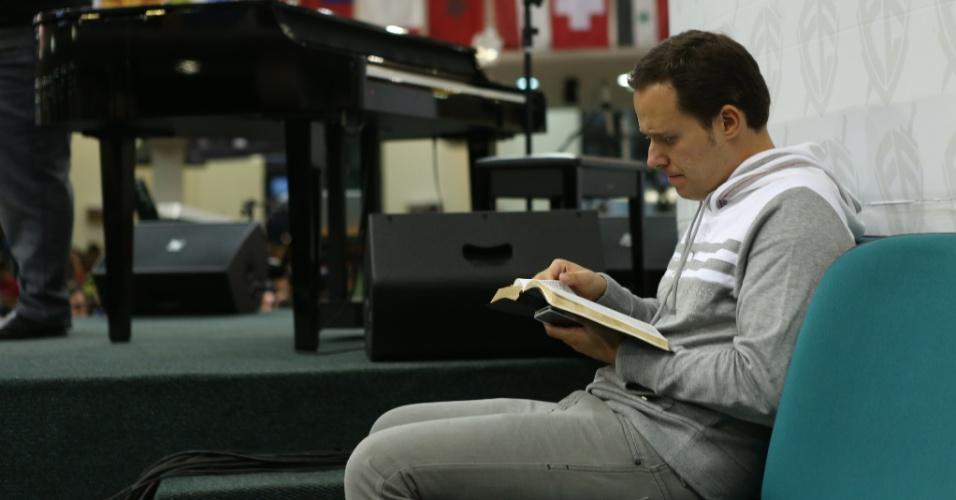 André Valadão acompanha culto na Igreja Batista da Lagoinha