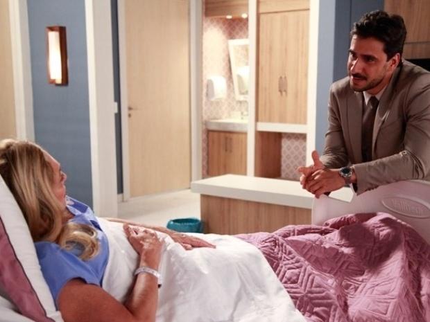 """Em """"Amor à Vida"""", Jacques joga charme para cima de Pilar"""