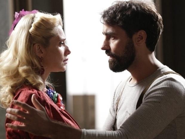 """Em """"Joia Rara"""", Fabrício se declara para Lola"""