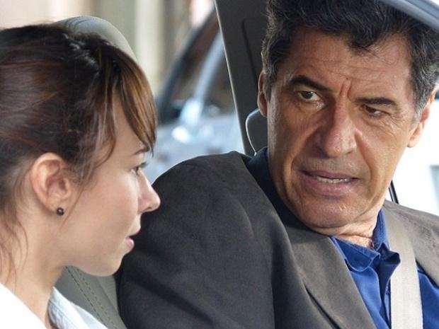 """Em """"Malhação"""", Caetano pergunta a Zelândia se ela quer ser sua"""