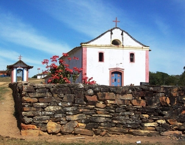 Nossa Senhora do Desterro, igreja matriz do povoado de Desemboque tombada pelo Iphan
