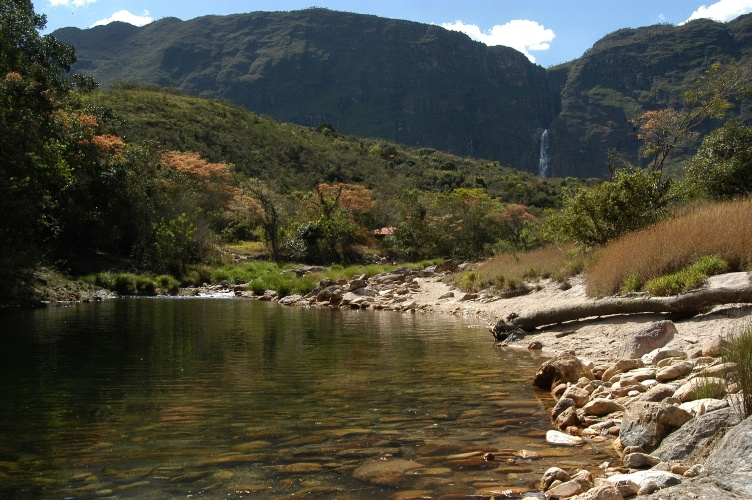 Visão inferior da cachoeira Casca D'Anta, na Serra da Canastra, em Minas Gerais