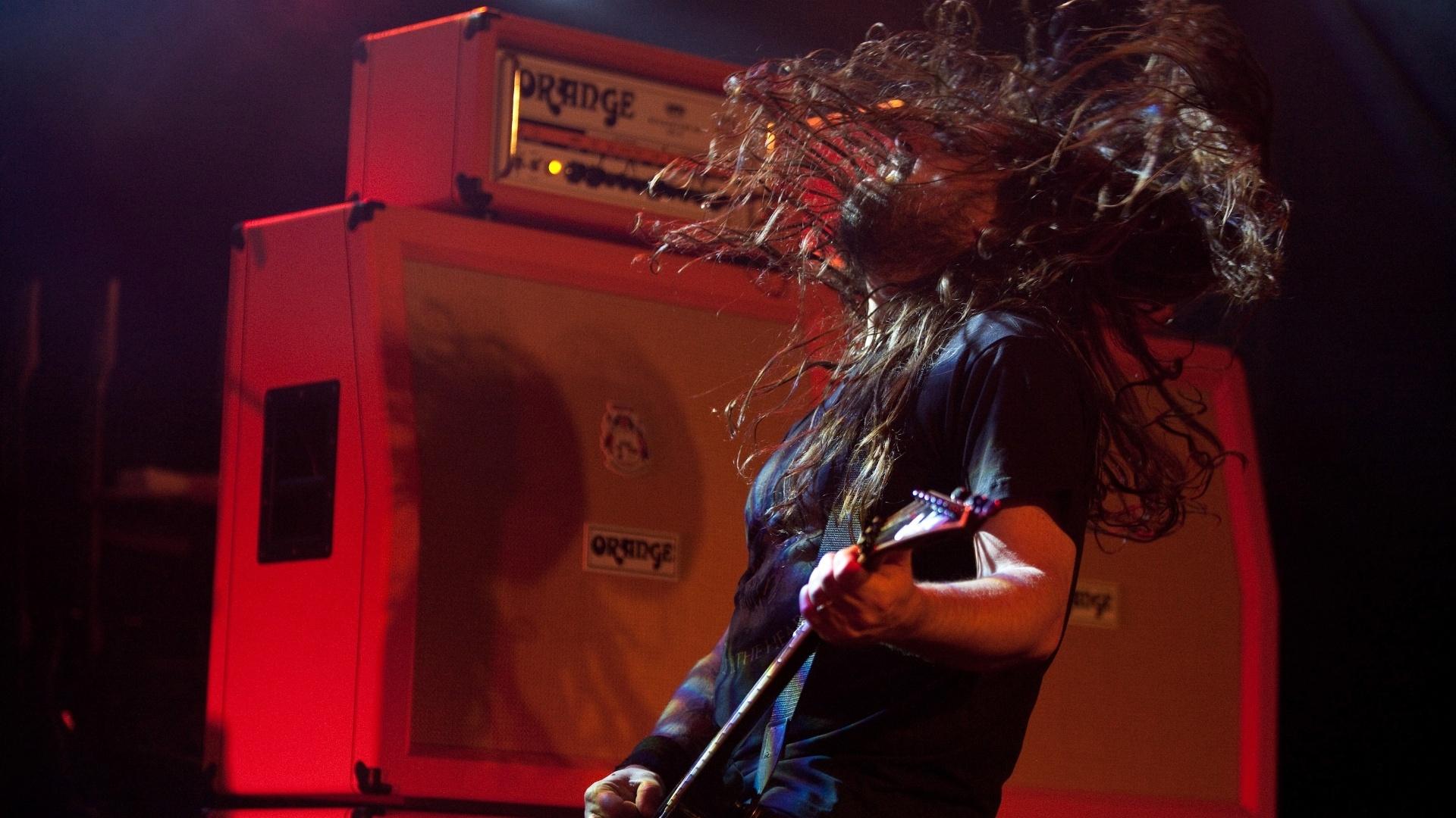 24.out.2013 - Sepultura comemora 20 anos de carreira com show com o repertório de