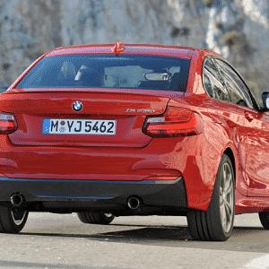 BMW Série 2 M235i - Divulgação