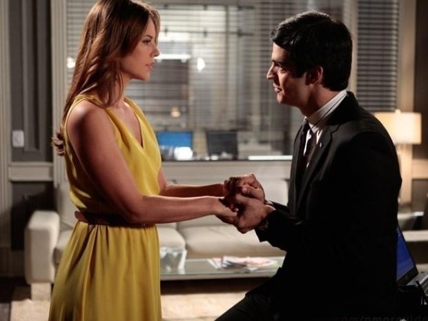"""Em """"Amor à Vida"""", Paloma enfrenta Félix após não saber da cirurgia de Pilar"""