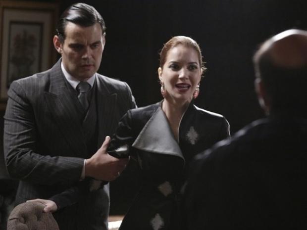 """Em """"Joia Rara"""", Sílvia faz cena no tribunal e interrompe depoimento de Sonan"""