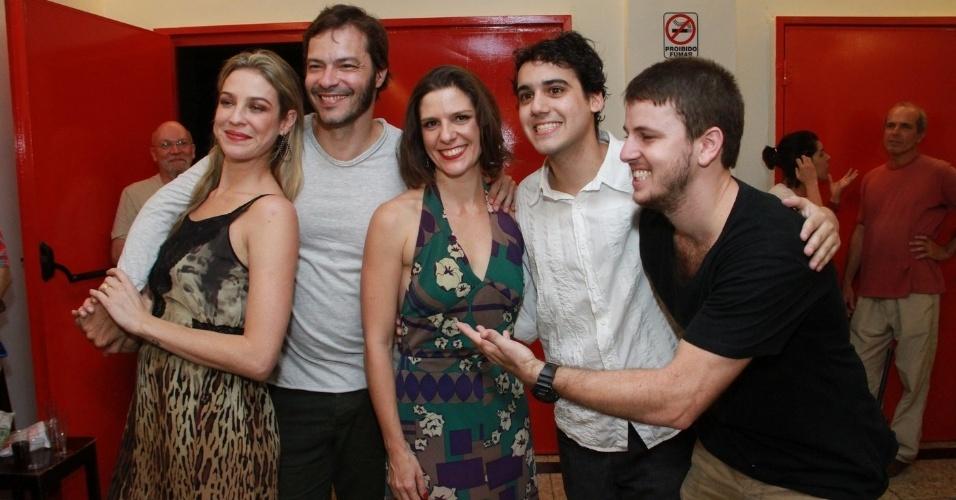 24.out.2013 - Luana Piovani, Heitor Martinez, Georgiana Góes e George Sauma estreiam peça